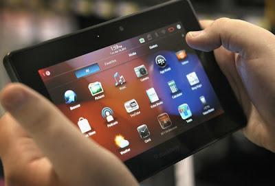 A pesar de que BlackBerry aseguró en enero pasado que las tabletas PlayBook podrían ser actualizadas a la versión 10 del operativo, el director ejecutivo de la empresa confirmó horas atrás que esto no será así debido a que el software no tiene el desempeño adecuado dentro de ese dispositivo. Introducida al mercado hace dos años, la tableta PlayBook de BlackBerry fue uno de los intentos de la empresa canadiense por competir en el terreno que iPad de Apple ya lideraba. El gadget de BlackBerry corre con una versión del sistema operativo basado en QNX, por lo que la actualización