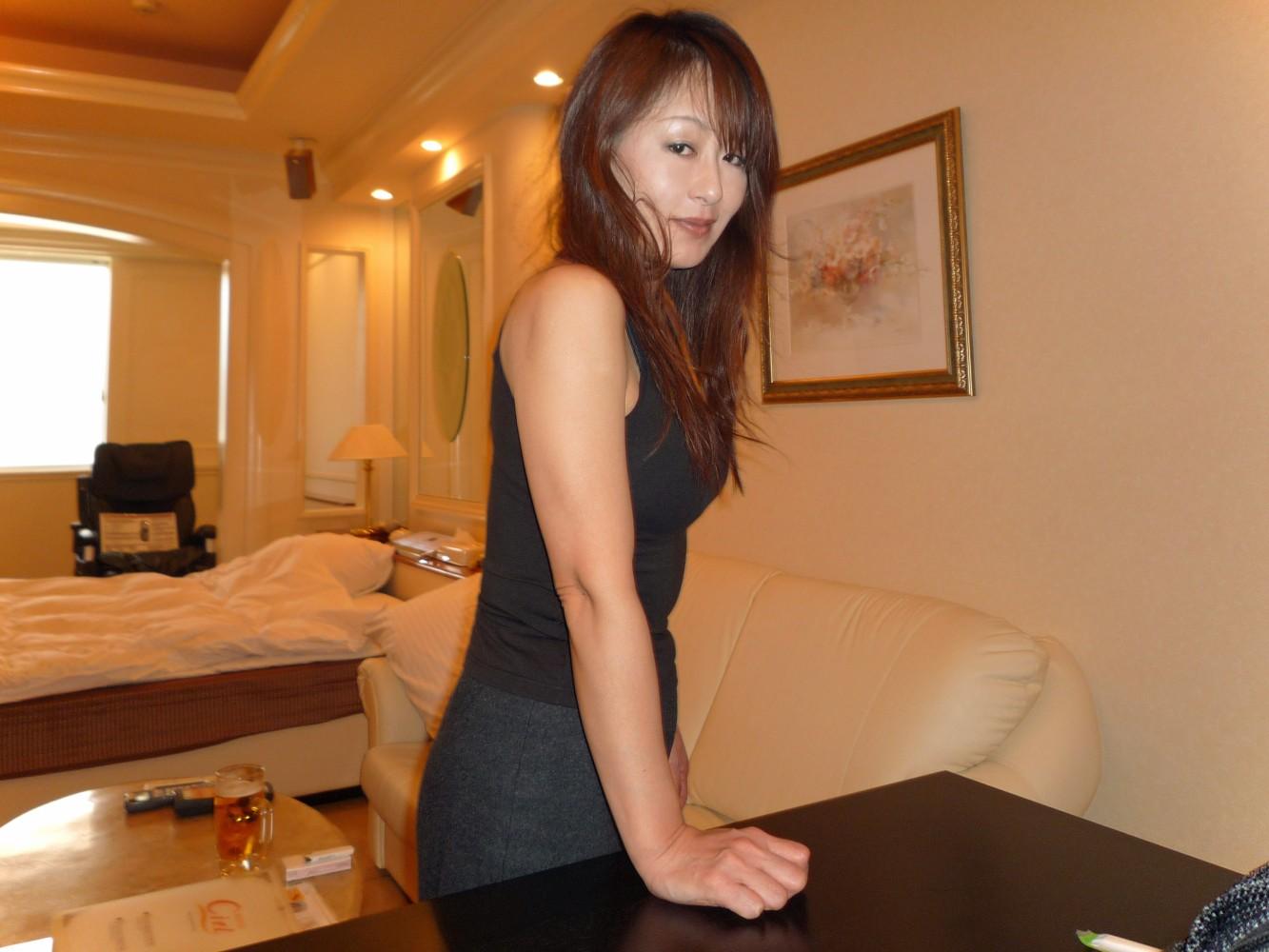Really beautiful Japanese middle-aged mature Kaori's ...