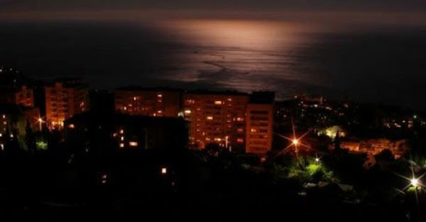http://4.bp.blogspot.com/-3jQKSzR5oRQ/VlG6nddrfPI/AAAAAAAAA1k/dNkYgYCamwY/s600/power-transmission-towers-8216blown-up8217-causing-blackout-in-crimea.jpg