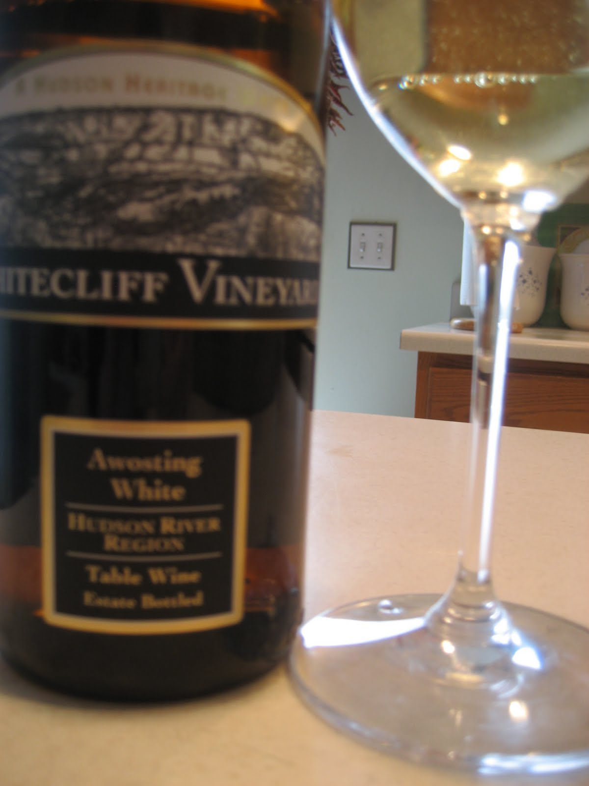 Hudson Valley Wine Goddess Whitecliff 2010 Awosting White