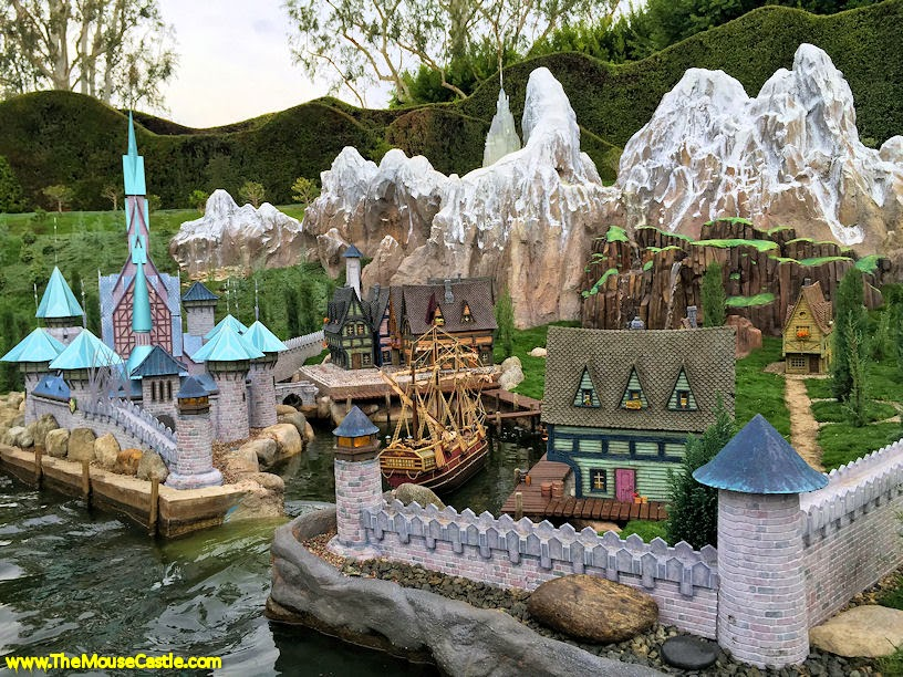 Arendelle, Storybook Land Canal Boats