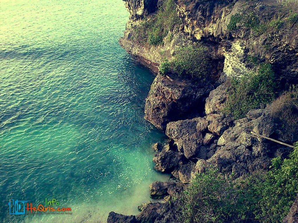 Tebing Pantai Balangan Bali