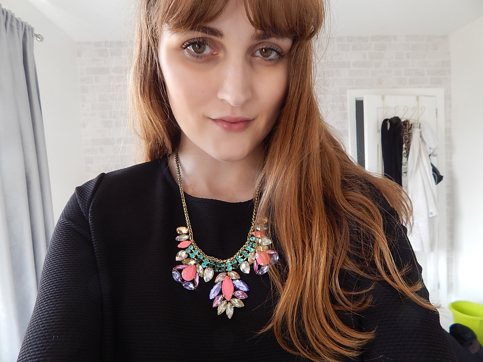 british style blog, how to style a statement necklace,