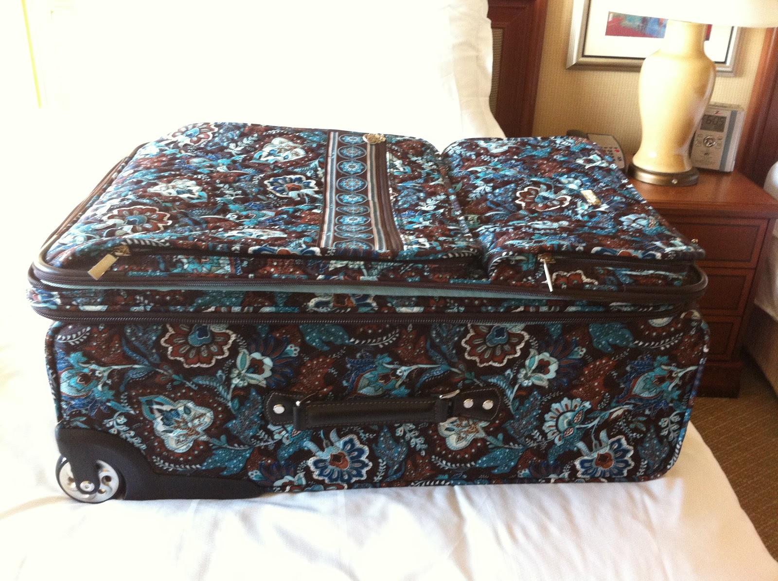 56366da586f8 Vera Bradley Handbags  Vera Bradley Outlet Nashville