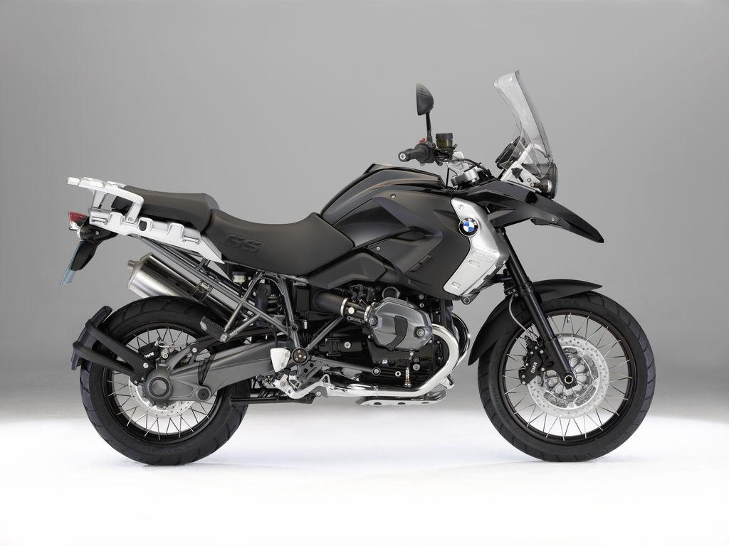 http://4.bp.blogspot.com/-3kg_hkIDh70/TeJ4qWcrIbI/AAAAAAAAAR8/IEY8H0IGvSo/s1600/2011-BMW-R1200GS-Triple-Black-Photos.jpg