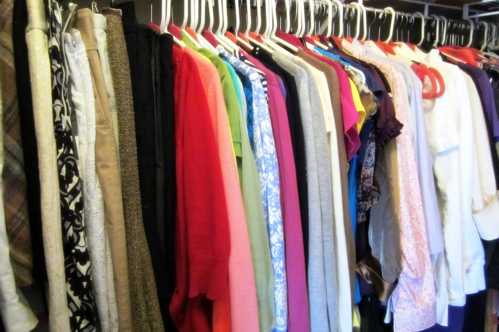 The pop of color how to organize your closet for How to color organize your closet