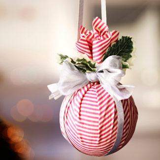 DIY Bolas de Navidad forradas con tela