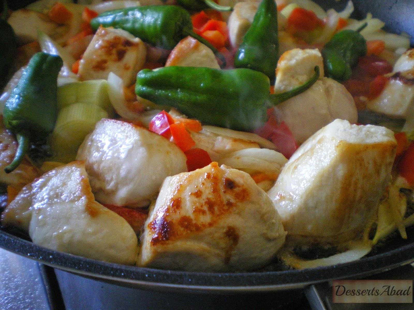 Arroz con pollo y pimientos de Padrón (Elaboración)