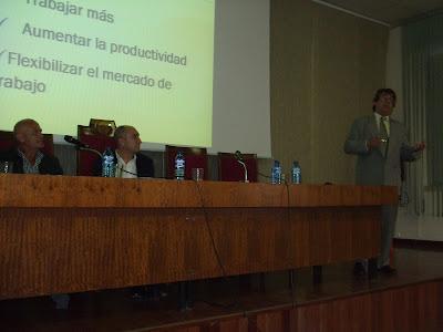 Presentación en la Facultad de Económicas