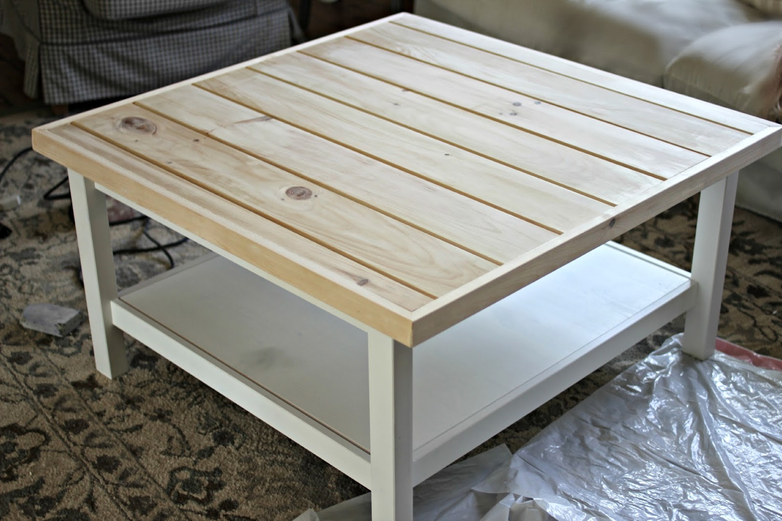 Golden boys and me coffee table ikea hack - Table basse blanc ikea ...