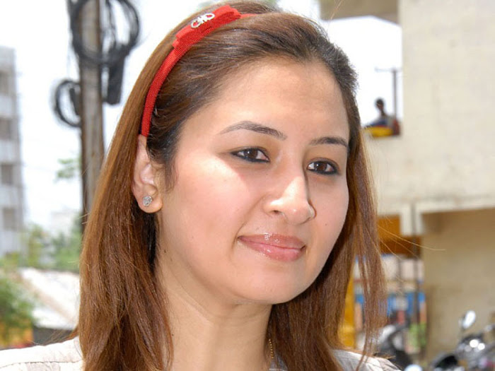 jwala gutta in public event hot images