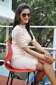 Pooja Jhaveri latest glam pics-thumbnail-3