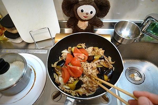 豚肉ナストマ炒めごはんの作り方(3)