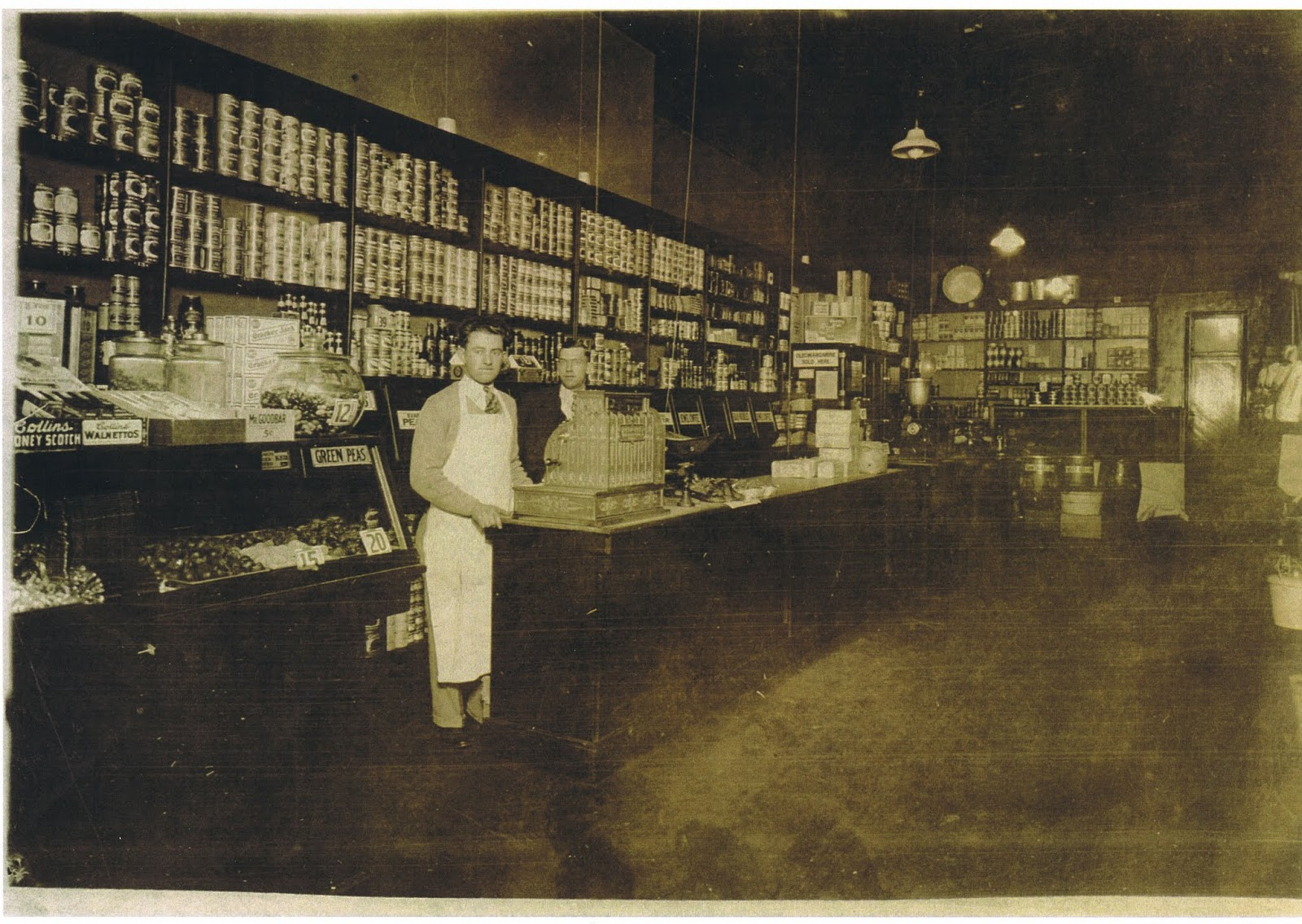Kroger Store In New Vienna Ohio C1928 Homer Williams Mgr Image Courtesy Of Hayward Crone Via Mike Whited 1931 Gleason Streber Opened His Own Grocery