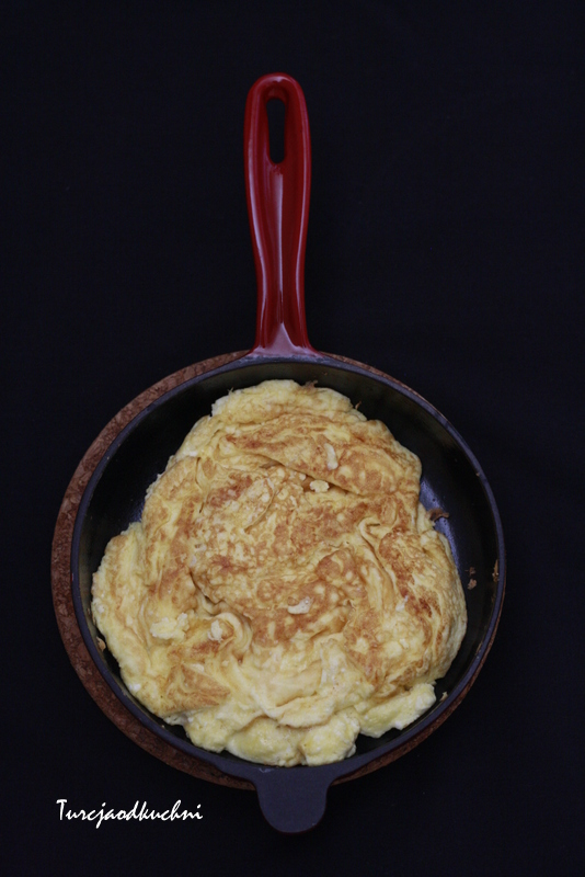 Jajecznica z serem / Peynirli yumurta