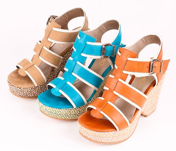 ... con un par de fabulosas sandalias de Viamo primavera verano 2013