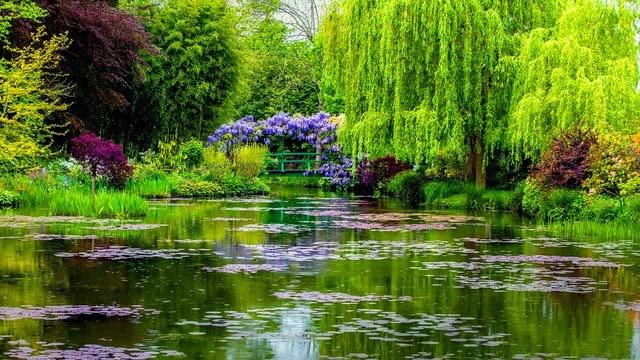 Garden Spring a Giverny Francia Alta Normandia dove visse Monet..