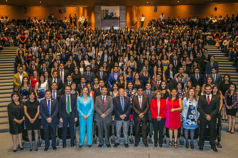 FACULTAD DE CONTADURÍA Y ADMINISTRACIÓN DE LA UASLP GRADUÓ A 254 ESTUDIANTES