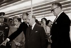 Con el presidente de la república, Manuel Prado Ugarteche.