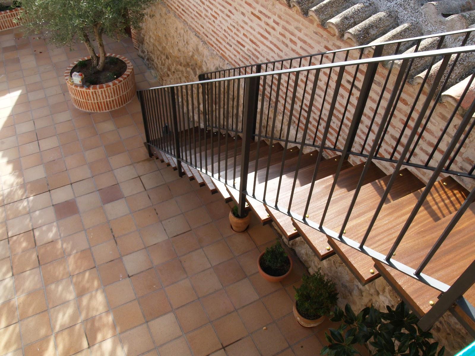 Trabajos lmb escalera exterior for Escaleras de exterior