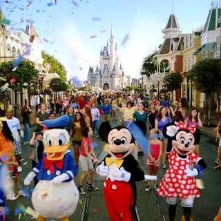 Walt Disney World Resort (Best Honeymoon Destinations In USA) 4