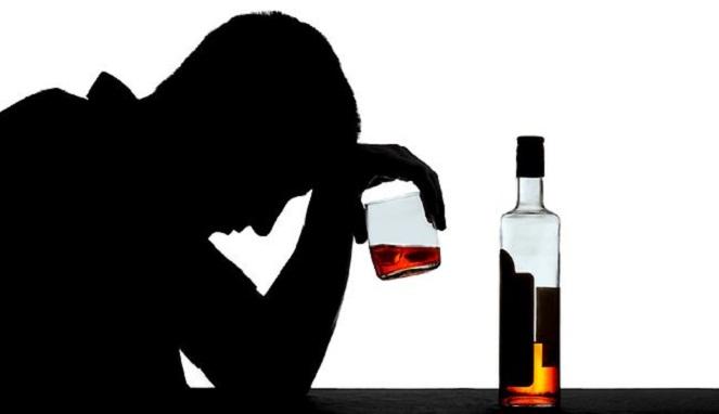 Hasil gambar untuk mengkonsumsi alkohol