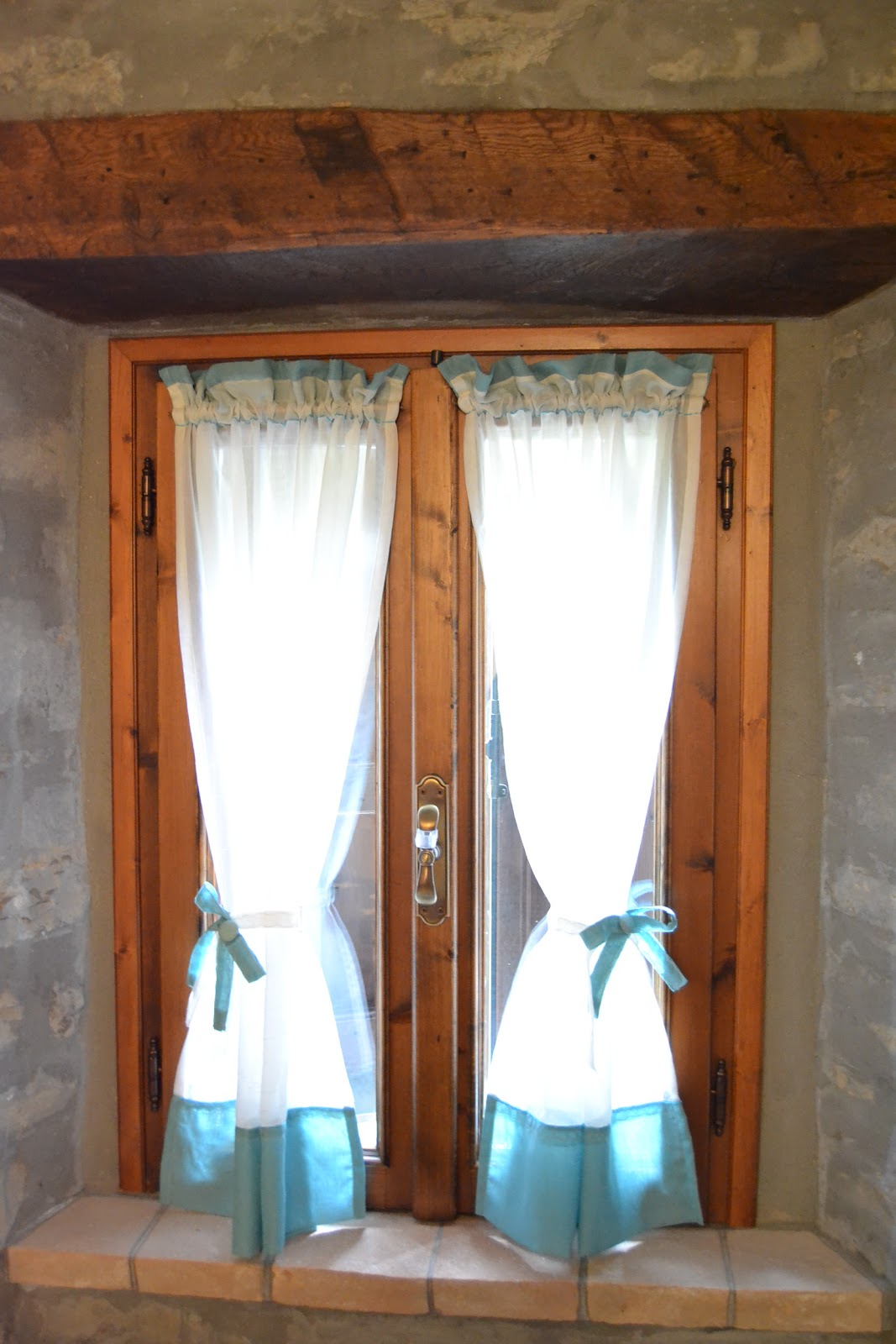 Country the blue dog sartoria d 39 interni tende con fiocchi - Tende bagno country ...