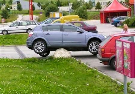 Imagine haioasa cu o parcare naspa tare
