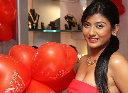 Hot sexy Bold Parno Mitra Photos