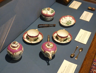 Hester Thrale's teaset, in the Parlour, Dr Johnson's House Museum © Andrew Knowles