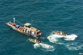 Angkatan Laut Australia Bakar Perahu Pencari Suaka