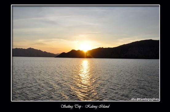 sailing trip, living on board, live aboard, lombok, sumbawa, dompu, komodo, flores, labuan bajo, sunset