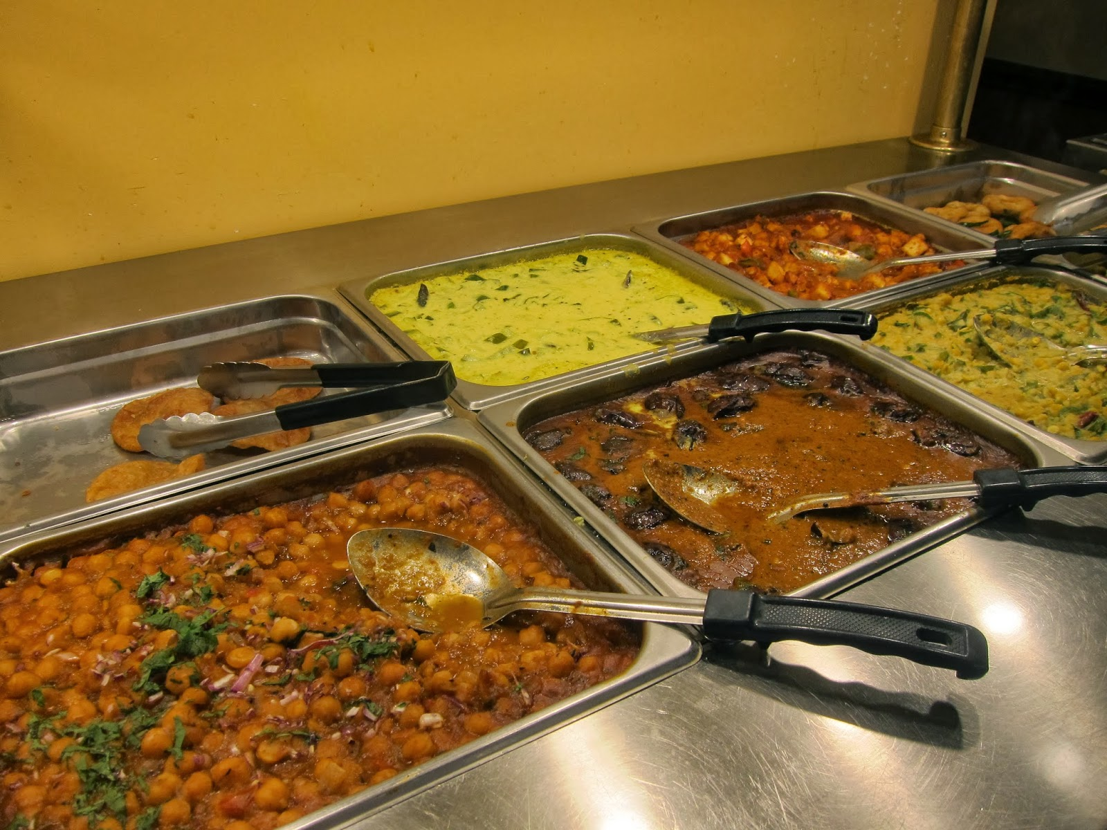 Mami eggroll restaurant review madras grill in chelmsford for Fish buffet near me