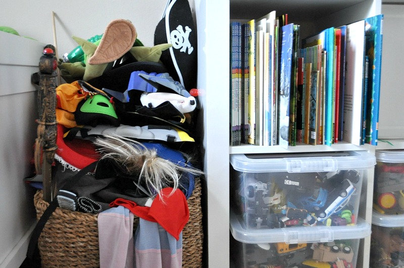 how to declutter a childs room