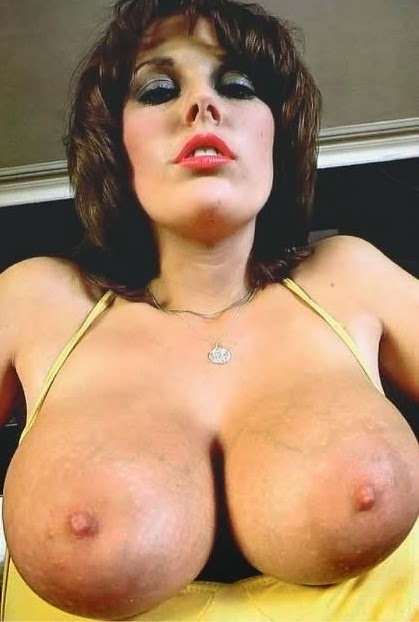 Nude mother with big tits