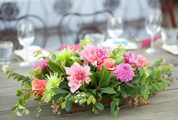 Pasteles de boda con flores naturales novia com portal - Centros de mesa con flores ...