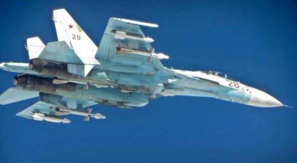 Su-27 bersenjata lengkap