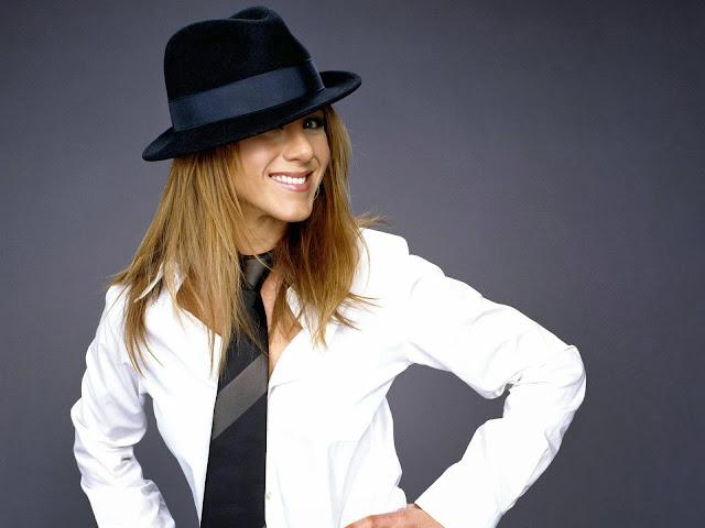 "<img src=""http://4.bp.blogspot.com/-3njVcbXwaRo/UkmuWfb5yNI/AAAAAAAAD98/u5dFdRnGuEo/s1600/97430_aniston337_122_1013lo.jpg"" alt=""Jennifer Aniston wallpapers"" />"