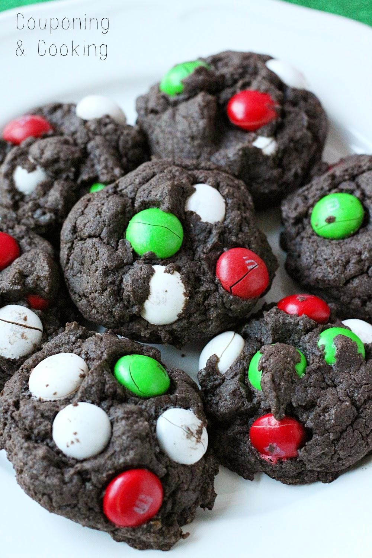Tobins' Tastes: Mint M&M Chocolate Christmas Cookies