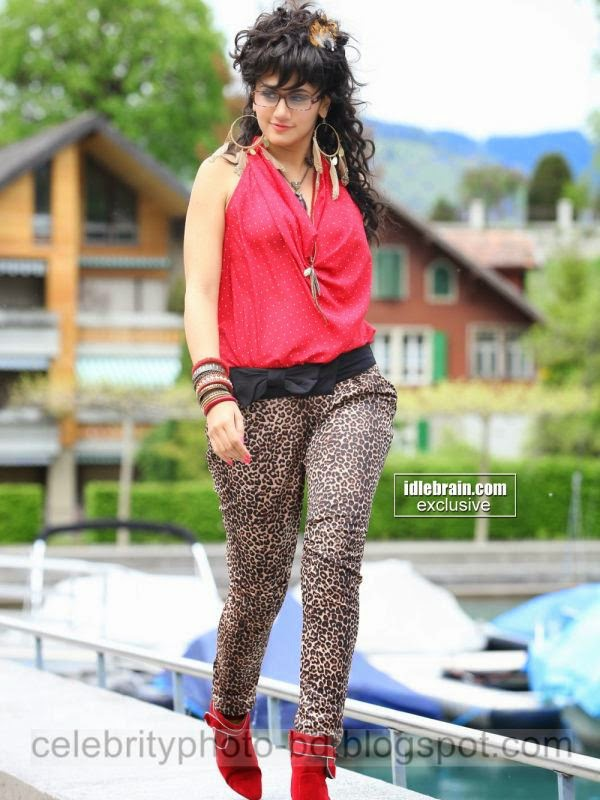 Tamil+Superb+Sexy+Cute+Girl+and+Actress+Taapsee+Pannu's+Best+Hot+Photos+Latest+Collection+2014 2015006