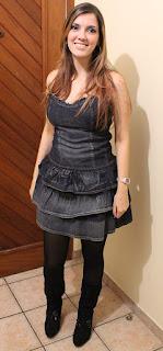Modelo de vestido jeans com meia e bota preta - dicas e fotos