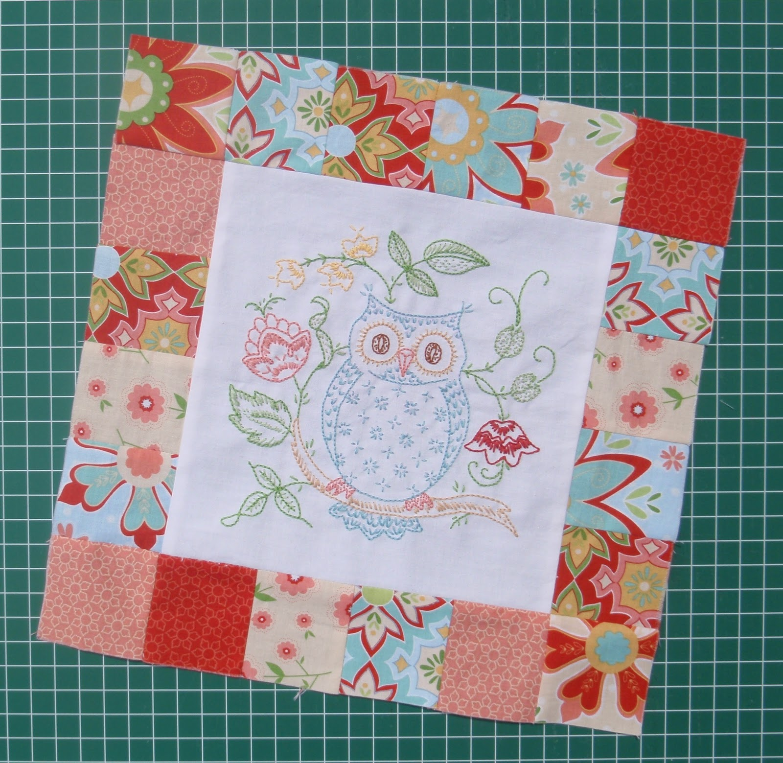 Embroidery Quilt Block Designs : Once Upon a Donkey: TGIFF - Owl Love