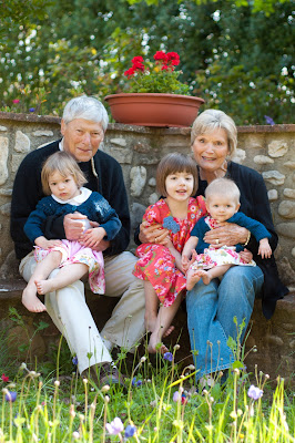Glenna and Lawrence Shapiro with their grandchildren