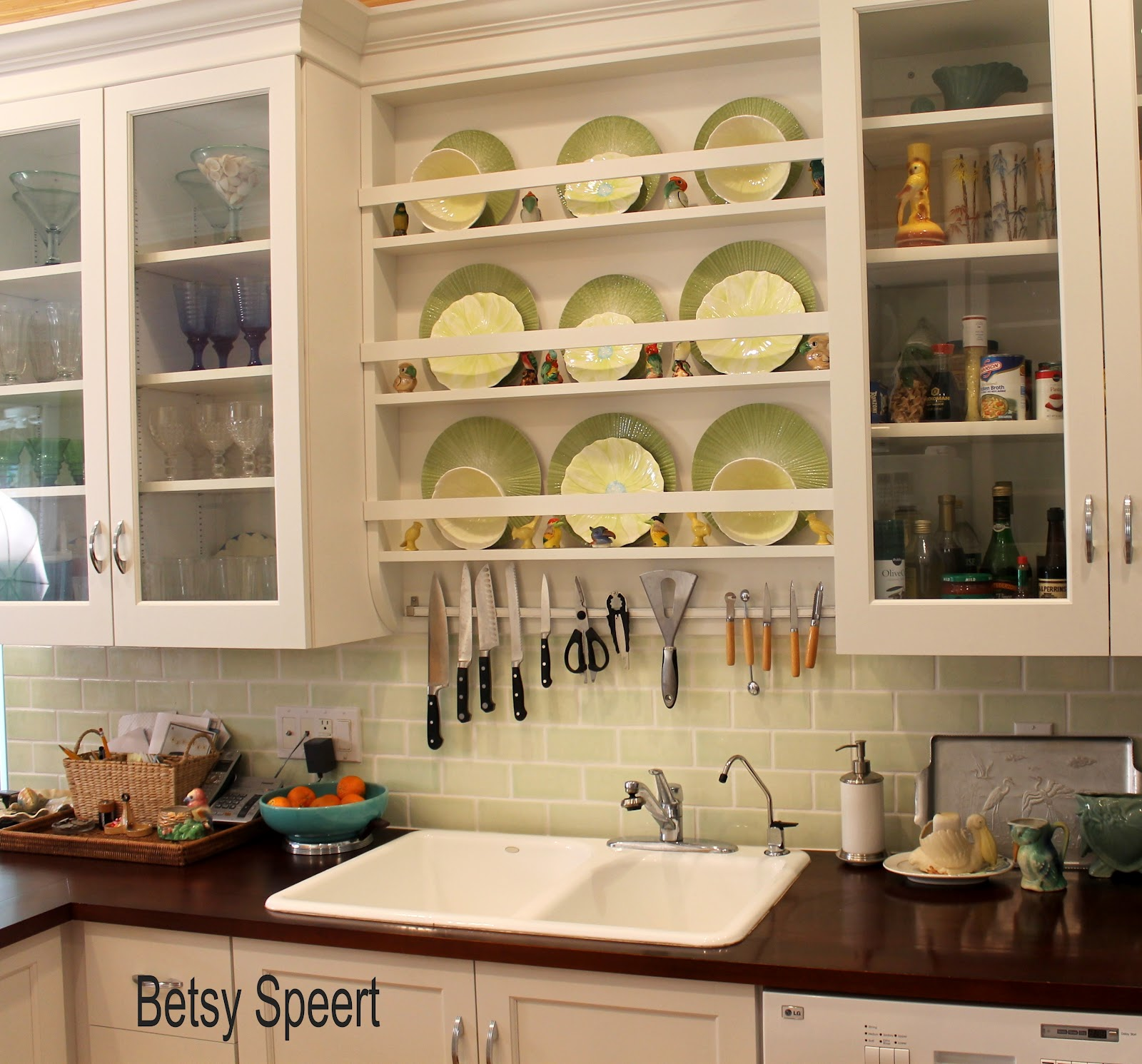 Plate Rack above Sink