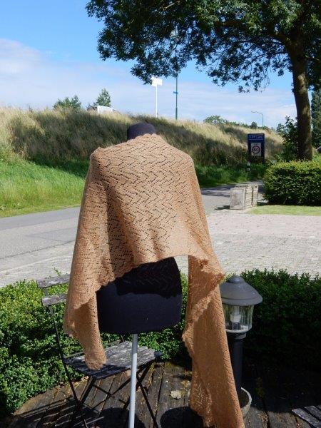 TE KOOP: WOLLEN Camel sjaal