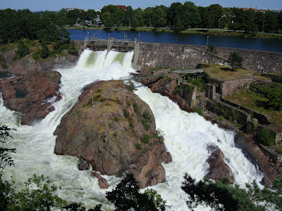 Trollhattan falls - full flow