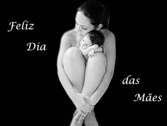 http://4.bp.blogspot.com/-3pNZCp3llxs/TbjaKc5VwzI/AAAAAAAAAM4/dqnkTEYPSc0/s1600/O-dia-das-maes-pelo-mundo.jpg