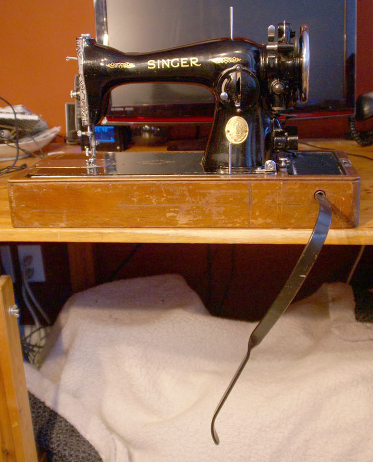 0ericotta04 the vintage singer sewing machine blog reader questions eric's singer 15 91 wiring diagram at bakdesigns.co