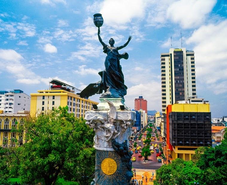 Atractivos turísticos de la ciudad de Guayaquil Columna de los Próceres