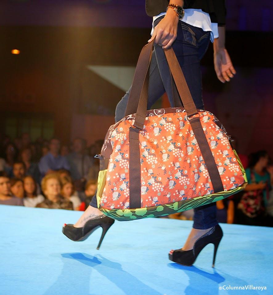 desfile moda sostenible bolsos algodon ecologico bowling con ideas y a lo loco cris b